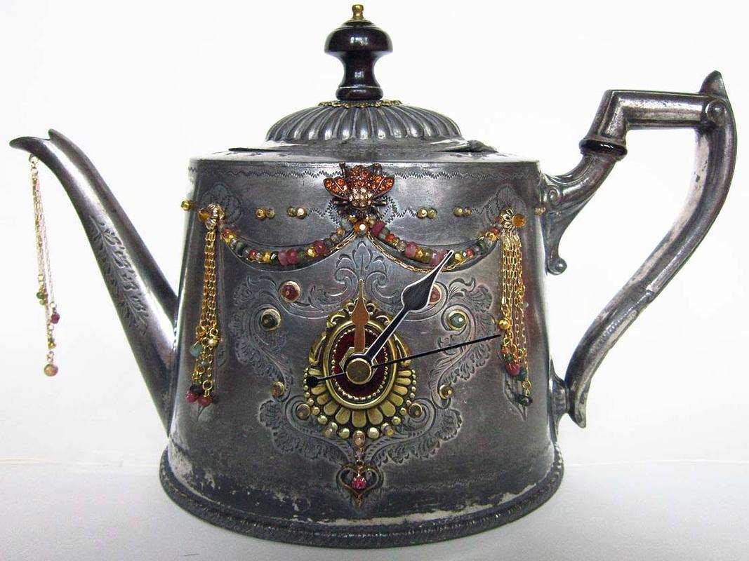 teapot-clock-sculptures (12)