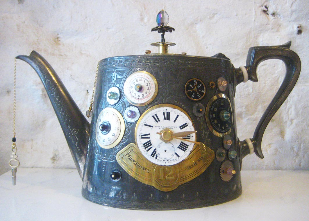 teapot-clock-sculptures (2)