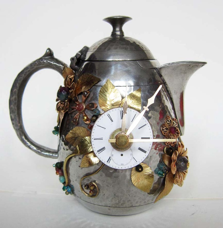 teapot-clock-sculptures (7)